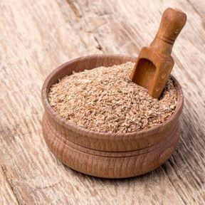 Vigne rouge, cyprès et son de blé contre les hémorroïdes