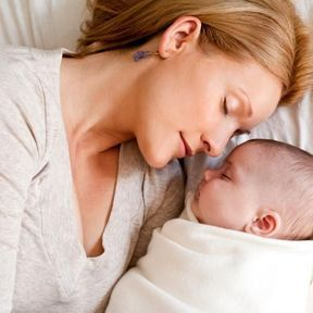 Le retour de couches désigne l'arrêt des saignements post-accouchement