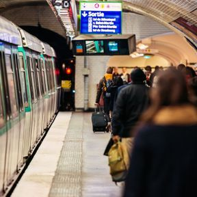 Le métro est bondé, je dois prendre le suivant : J'accueille la réalité
