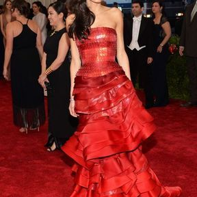 Amal Clooney en John Galliano for Maison Margiela