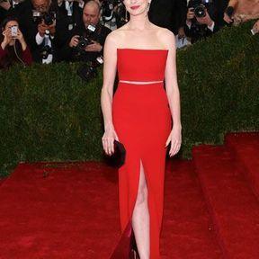 Anne Hathaway en Calvin Klein en 2014