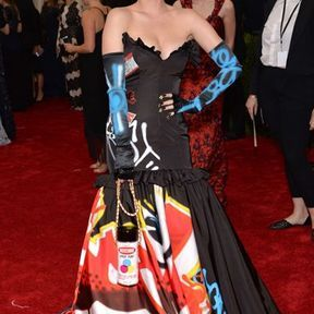 Katy Perry en Moschino par Jeremy Scott