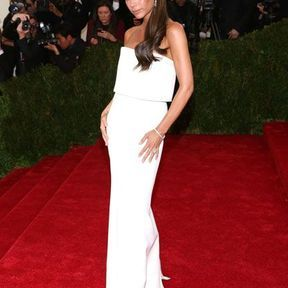 Victoria Beckham dans une robe de sa propre collection en 2014