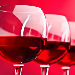 Un verre de vin rouge à 13°