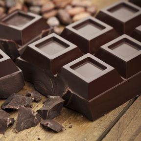 Le chocolat noir (> 70 % de cacao)