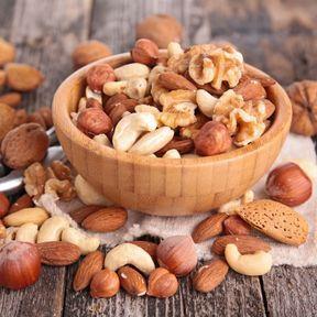 Les fruits oléagineux (amandes, noix, etc.)