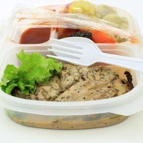Les aliments sous plastique