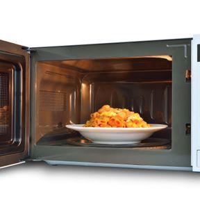 Astuce pour cuire uniformément un plat au four micro-ondes