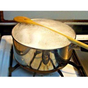 Astuce pour empêcher l'eau de déborder de la casserole