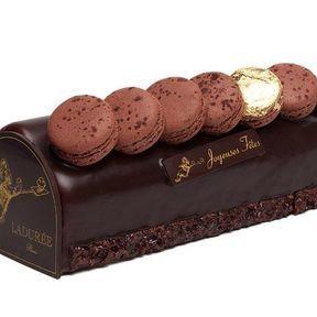 La bûche macarons chocolat de Ladurée