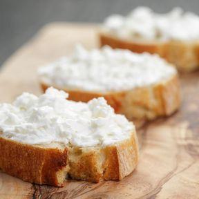 Préférer les fromages frais aux fromages à pâte dure