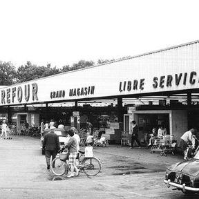 1963 - le premier hypermarché en France