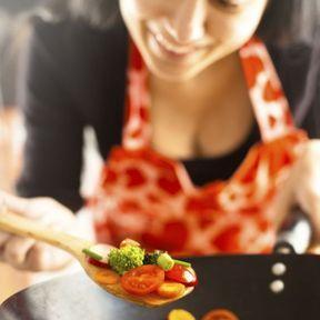 Quels ustensiles pour cuisiner au wok ?
