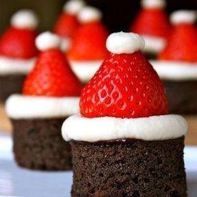 Fondants au chocolat en forme de bonnets de Père Noël