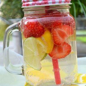 Detox water citron et fraises