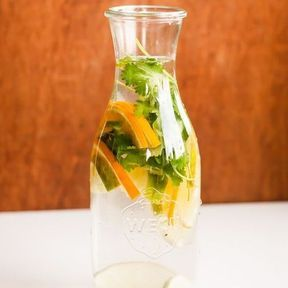 Detox water orange et persil