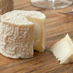 Le fromage de chèvre sec : 895 mg de calcium/100 g