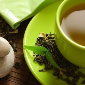 Le thé vert et le thé noir