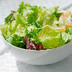 La chicorée (variété de salade) et la laitue