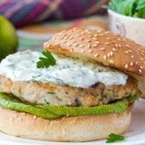 Burger diététique poulet et tzatziki