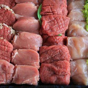 La viande fraîche pour voler la vedette à la charcuterie