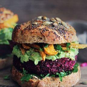 Burger végétarien galette de légumes et avocat