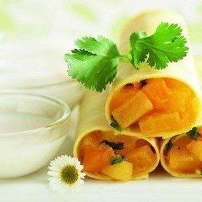 Dessert de chef : Cannelloni à la mangue au curry et coriandre, lait d'amande