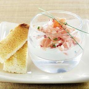 Entrée légère : Verrines de saumon, crème de thé vert