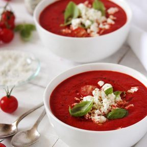 Soupe froide de poivrons rouges à la feta
