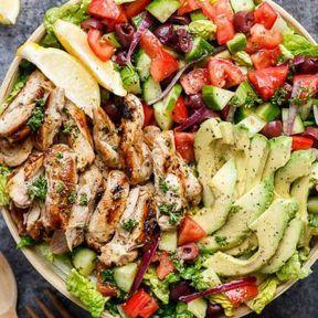 Salade de poulet grillé et légumes
