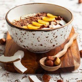 Smoothie bowl banane et copeaux de chocolat