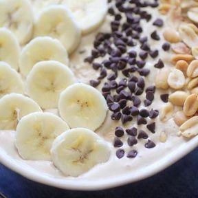 Smoothie bowl beurre de cacahouètes et banane