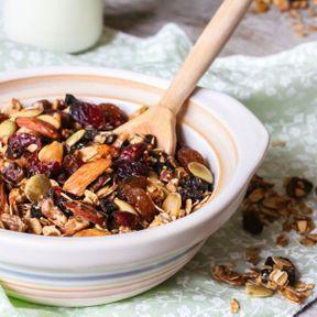 Recette de Granola aux oléagineux et au miel