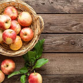 Placez les pommes et les poires à part