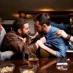 Les hommes aiment se battre