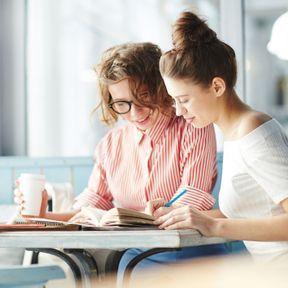 Les grands textes littéraires écrits par des femmes entrent dans les collèges