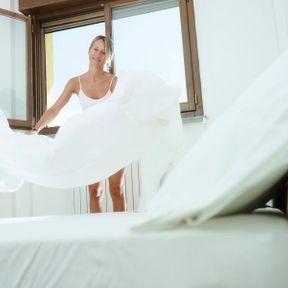 Faire le lit sans aérer la chambre