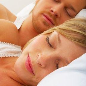 Dormir accompagné(e)