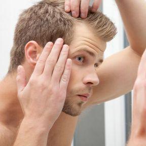 Tu ne perdrais pas un peu tes cheveux ?