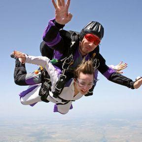 Essayez le saut en chute libre