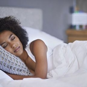 Les célibataires dorment mieux