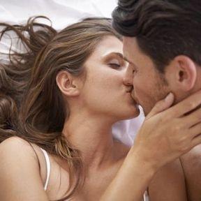 Les célibataires sont plus attentionnés au lit