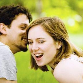 Pourquoi les hommes sont-ils moins bavards ?