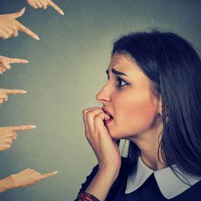 Le stress pour résister à la pression sociale