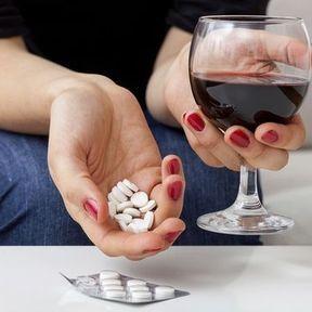Alcool et antibiotiques : un cocktail sans risque ?