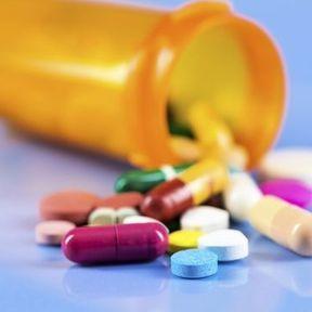 En cas de traitement antibiotique, ne vaut-il pas mieux choisir celui qui couvre le plus d'infections possible ?