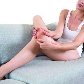 Automassage des pieds et des orteils