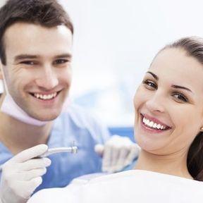 Prothèses dentaires mal positionnées