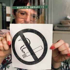 10 janvier 1991 : la loi Evin  interdit le tabac dans les locaux à usage collectif
