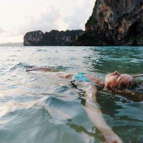 Des exercices dans l'eau… et sur la terre ferme